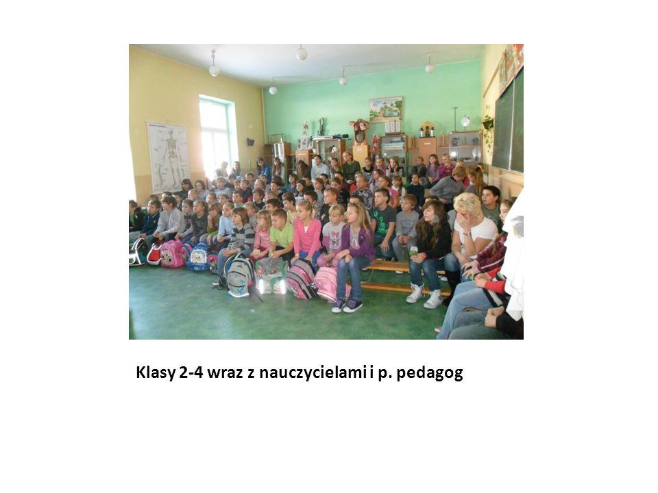 Klasy 2-4 wraz z nauczycielami i p. pedagog