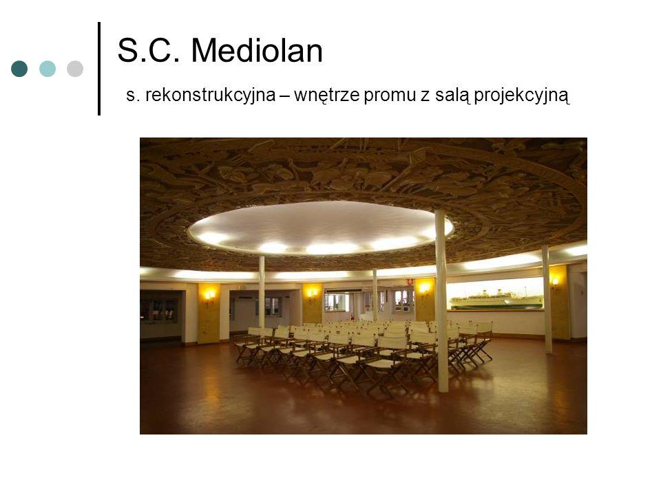 S.C. Mediolan s. rekonstrukcyjna – wnętrze promu z salą projekcyjną