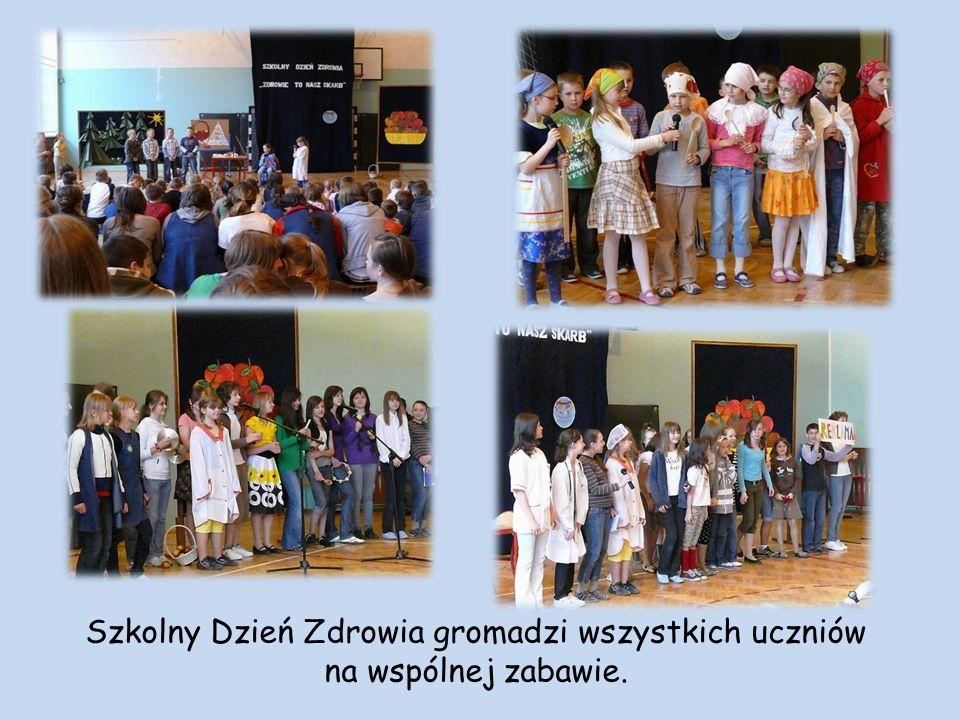 Szkolny Dzień Zdrowia gromadzi wszystkich uczniów na wspólnej zabawie.