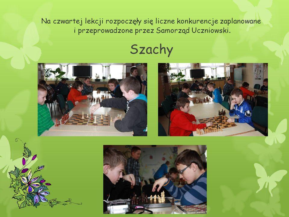 Szachy Na czwartej lekcji rozpoczęły się liczne konkurencje zaplanowane i przeprowadzone przez Samorząd Uczniowski.