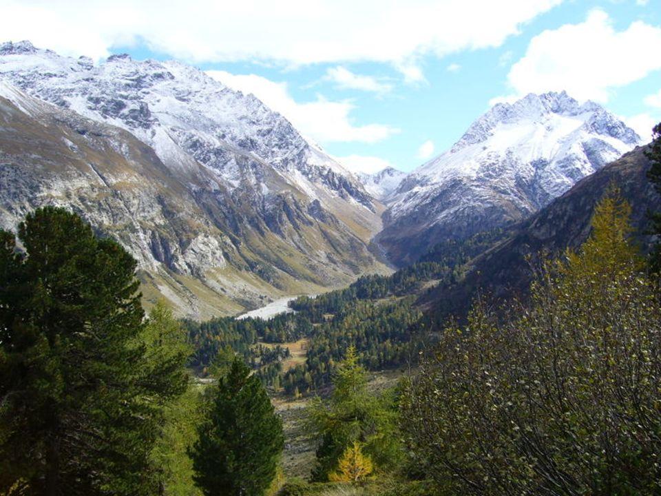KLIMAT Klimat w Europie jest znacznie łagodniejszy niż klimaty innych obszarów położonych na tej samej szerokości geograficznej.