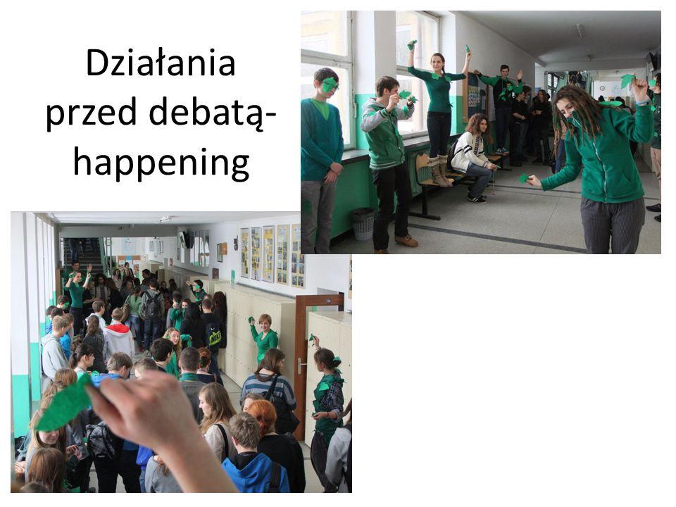 Działania przed debatą- tablica informacyjna i ankieta