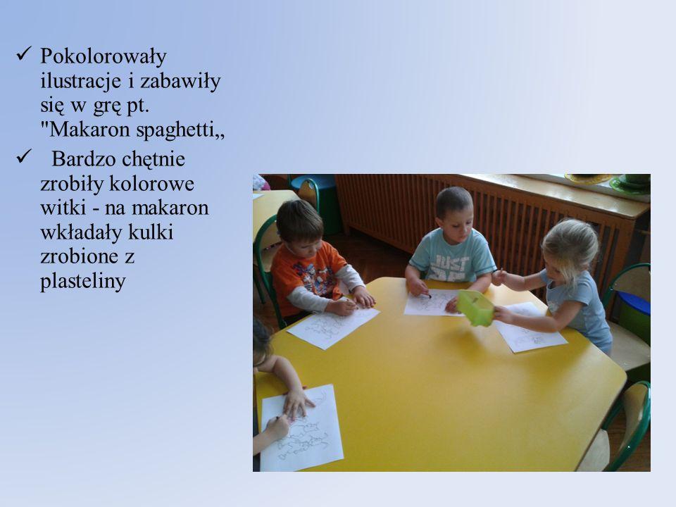 Pokolorowały ilustracje i zabawiły się w grę pt.