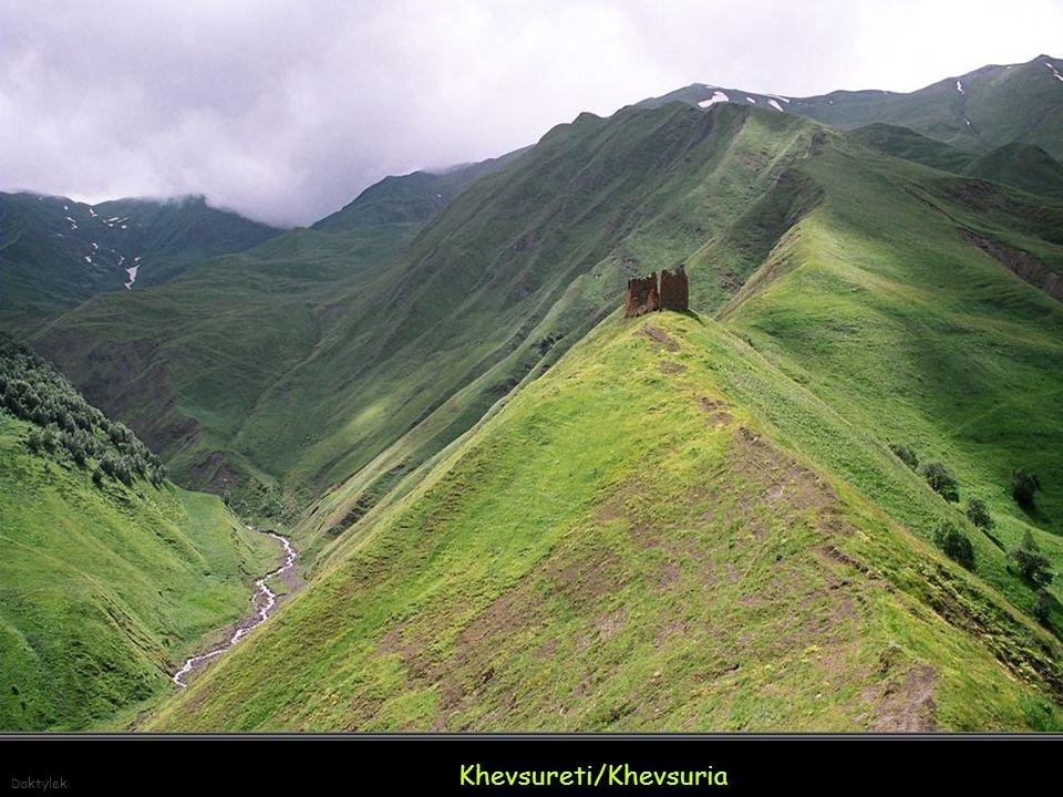 Daktylek Khevsureti / Khevsuria - kraina dolin - historyczno-etnograficzna kraina we wschodniej Gruzji.