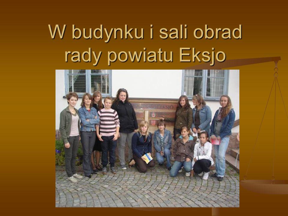 W budynku i sali obrad rady powiatu Eksjo