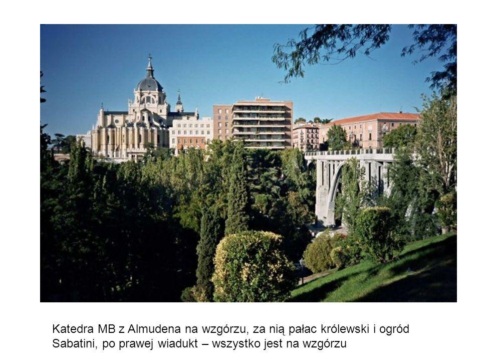 Główny ołtarz w katedrze MB Almudena – patronki Madrytu