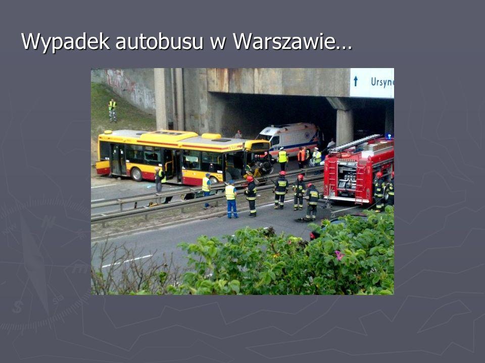Natychmiast po przybyciu na miejsce wypadku należy ocenić sytuację, zrozumieć mechanizm oraz konsekwencje zdarzenia.