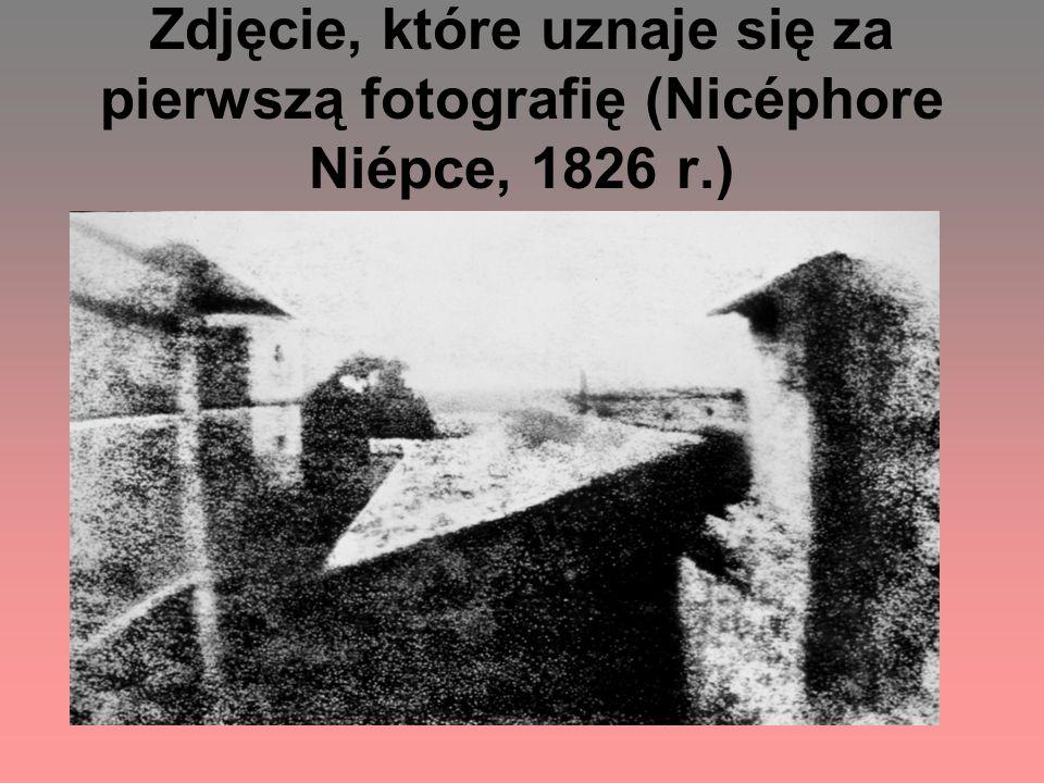 Zdjęcie, które uznaje się za pierwszą fotografię (Nicéphore Niépce, 1826 r.)