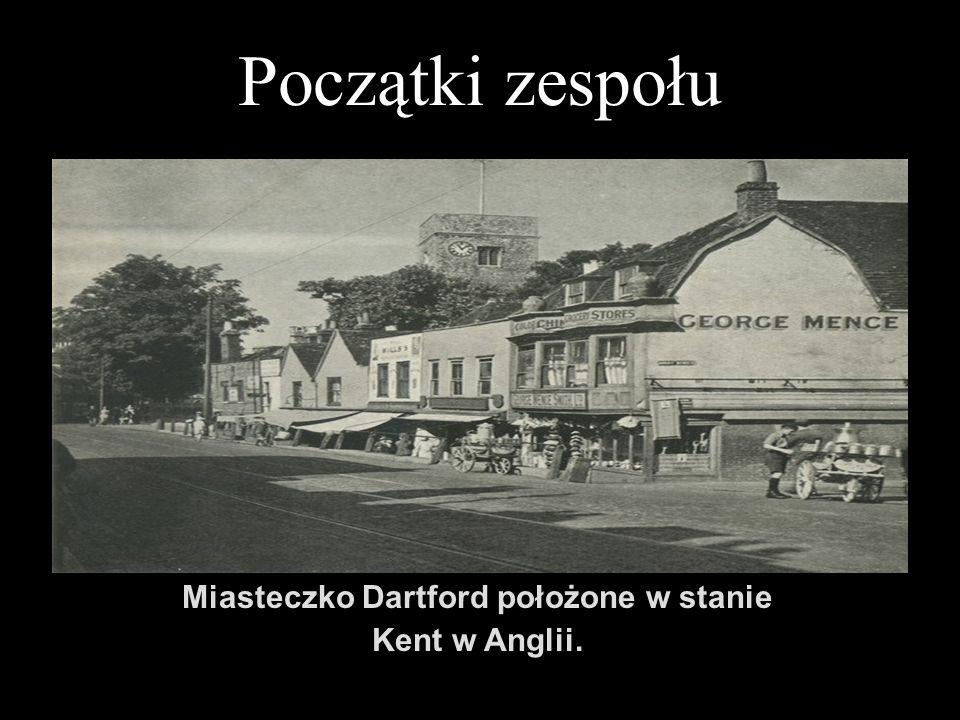 Początki zespołu Miasteczko Dartford położone w stanie Kent w Anglii.