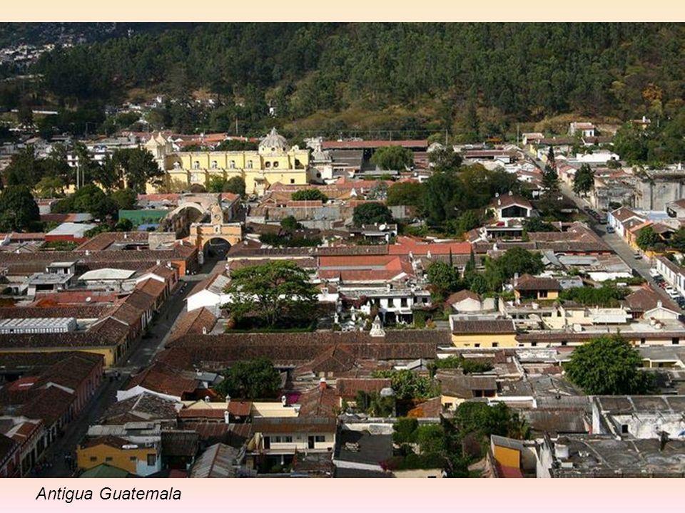 Antigua Guatemala (znane także jako Antigua lub La Antigua) miasto w środkowej Gwatemali, położone kilkanaście kilometrów na zachód od stolicy kraju G