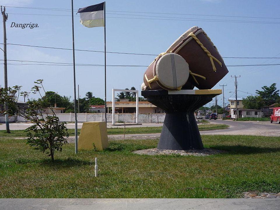 Dystrykt Stann Creek - dystrykt we wschodnim Belize, ze stolicą w Dangriga.