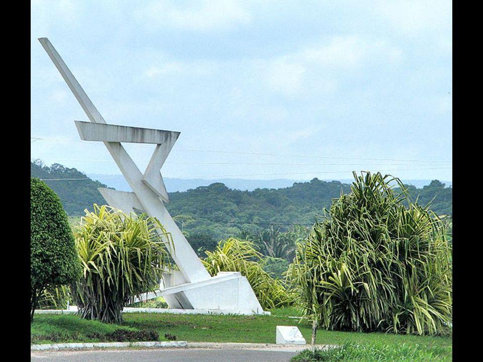 Belize City - największe miasto Belize, historyczna stolica tego kraju, położone u ujścia rzeki Belize do Morza Karaibskiego. Główny port morski kraju