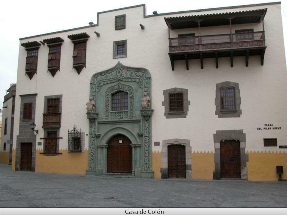 Casa Colon, dom w którym niegdyś mieszkał Krzysztof Kolumb. Obecnie jest tam muzeum Kolumba.