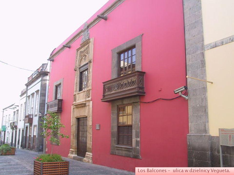 Ermita de San Antonio Abad - najstarsza kaplica w Las Palmas położona w centralnej części Veguety przy placu o tej samej nazwie. Zbudowana została w m
