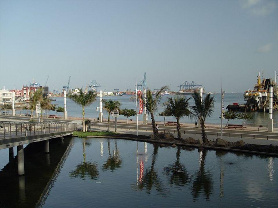 Auditorio Alfredo Kraus - gdzie mają miejsce najważniejsze wydarzenia muzyczne i kulturalne wyspy.