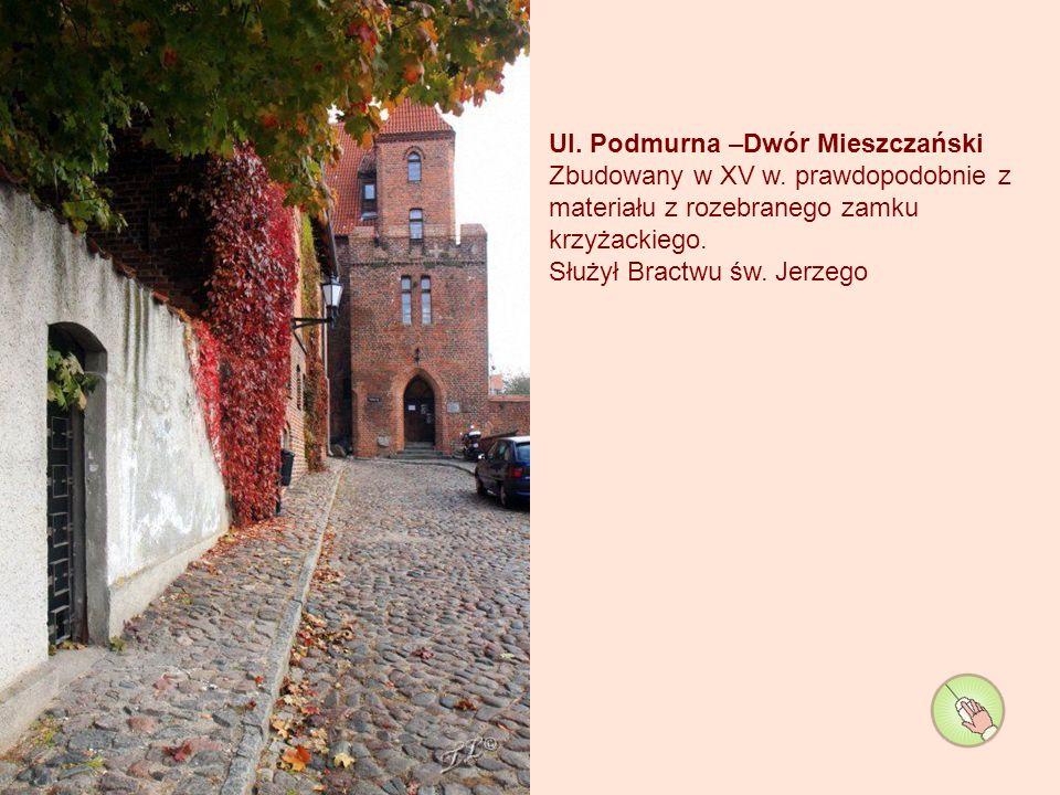 Brama mostowa – zbudowana w 1432r. nazwę przejęła od mostu stałego wybudowanego w 1500 roku.