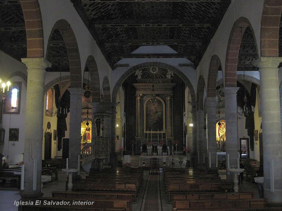 Iglesia El Salvador, drzwi wejściowe