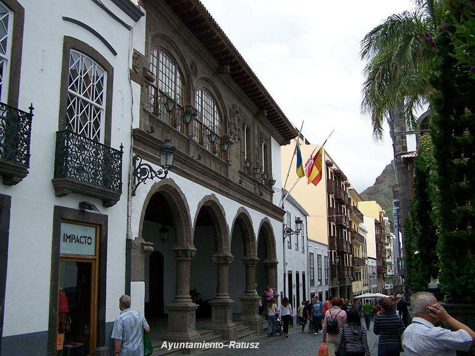 Casa Consistoriales Ayuntamiento–Ratusz z XVI w na Plaza de España