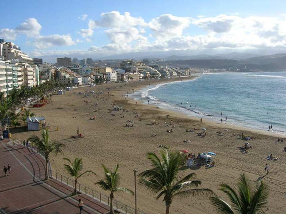 San Agustin miejscowość turystyczna położona na wschód od Maspalomas i Playa del Ingles. Ma ładną, piaszczystą plażę. Położona jest w niewielkiej zato