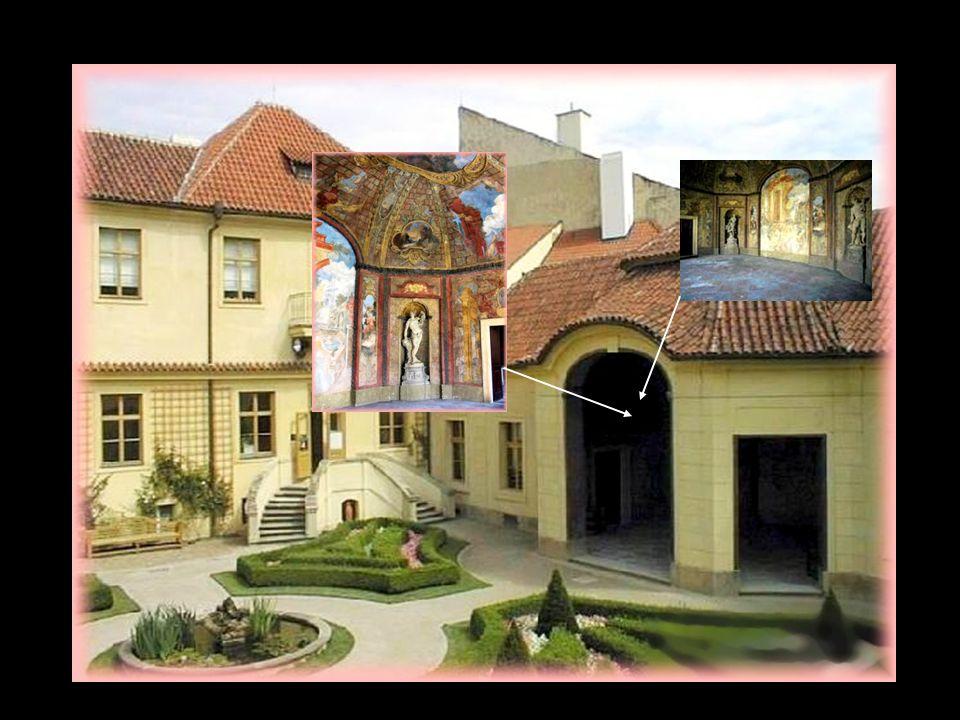 Ogród znajduje się na wzgórzu Petrin, w miejscu dawnej winnicy. Zaprojektowany został przez FM Kaňka, przy współpracy - rzeźbiarza M.B.Brauna i malarz