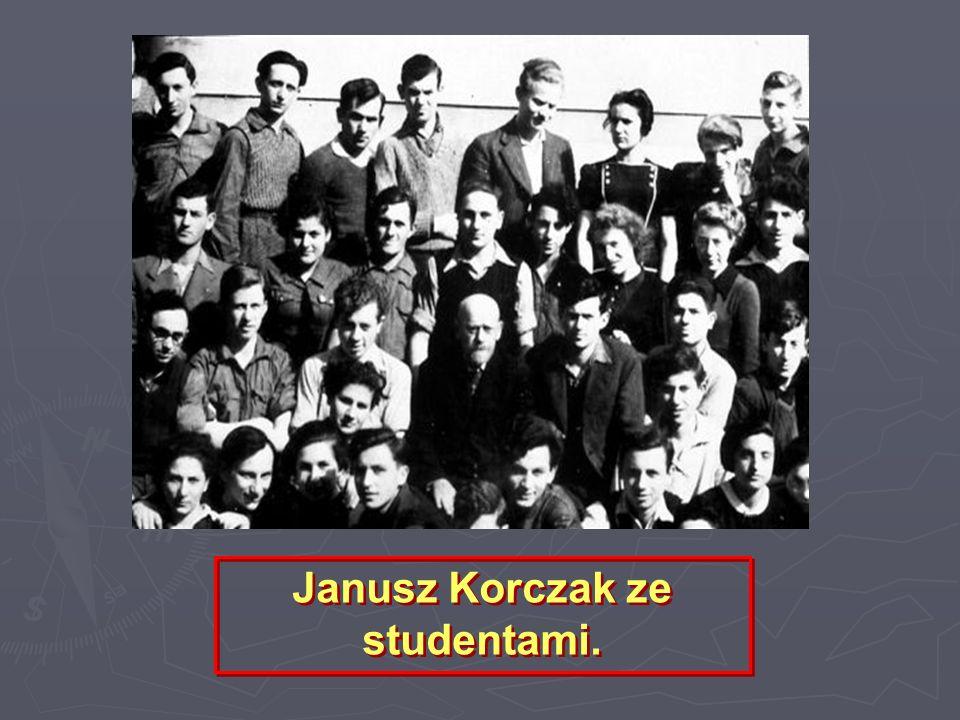 Zdjęcie Korczaka w gazecie Nasz Przegląd Ilustrowany zamieszczone po przyznaniu mu nagrody przez Polską Akademię Literatury w 1937 r.