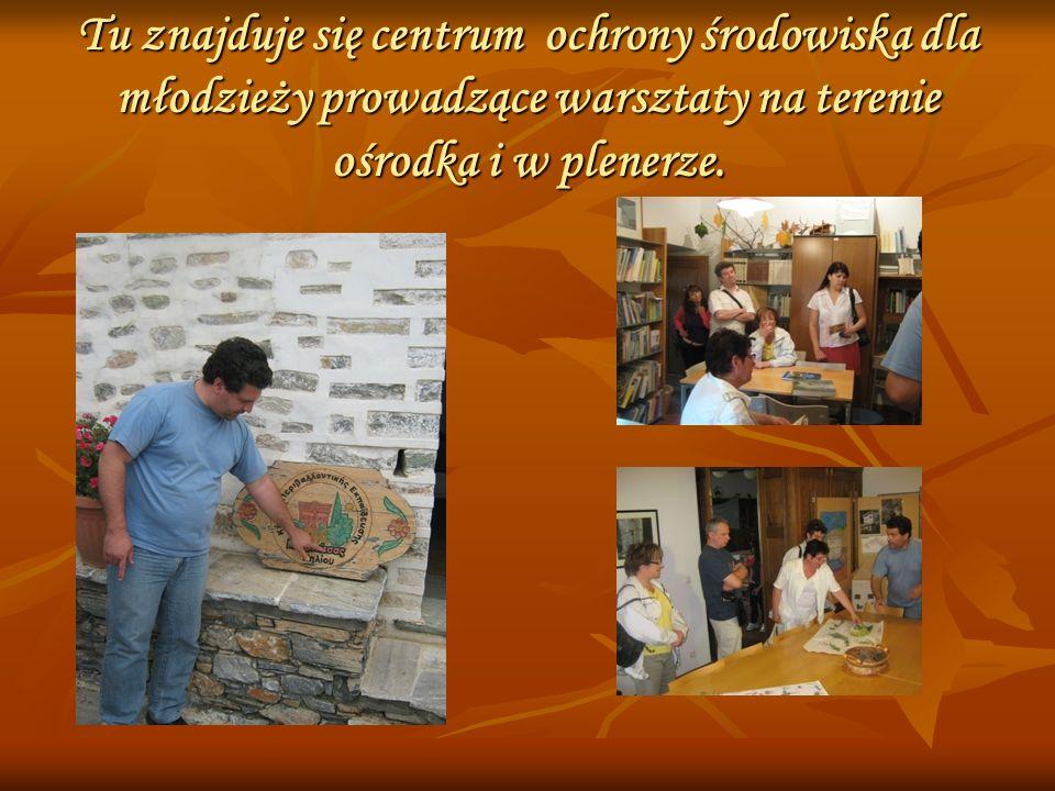 Tu znajduje się centrum ochrony środowiska dla młodzieży prowadzące warsztaty na terenie ośrodka i w plenerze.