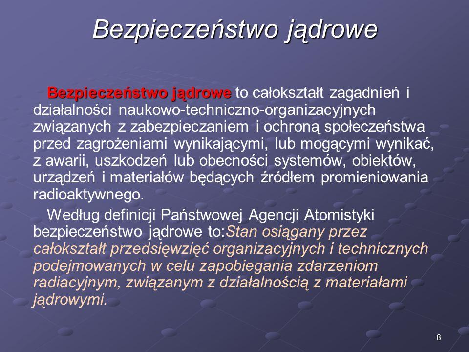 9 Elektrownia jądrowa Elektrownia jądrowa Elektrownia jądrowa – obiekt przemysłowo- energetyczny (elektrownia cieplna), wytwarzający energię elektryczną poprzez wykorzystanie energii pochodzącej z rozszczepienia jąder atomów, najczęściej uranu (naturalnego lub nieco wzbogaconego w izotop U-235), w której ciepło konieczne do uzyskania pary, jest otrzymywane z reaktora jądrowego.