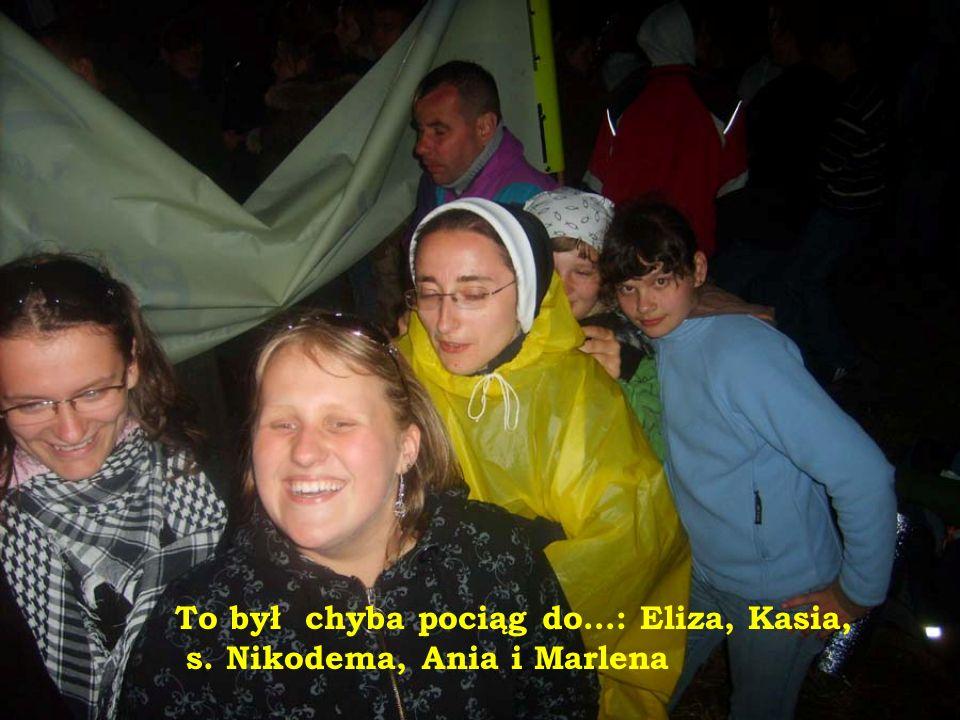 Od lewej: Marlena, Kasia s. Nikodema, Beata, Ania i Eliza