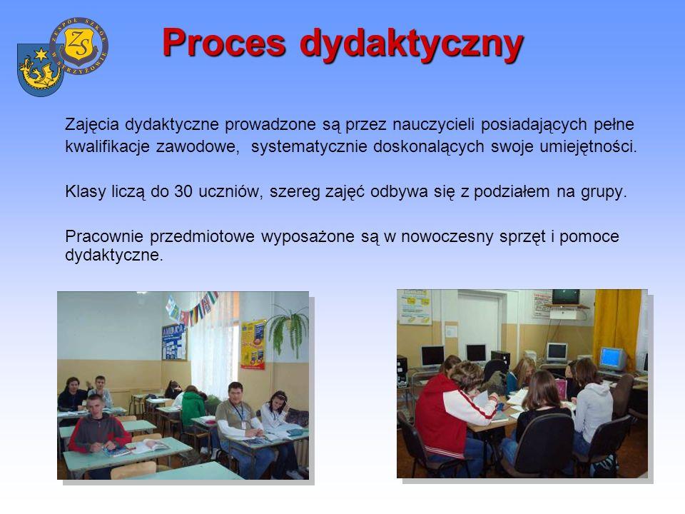 Proces dydaktyczny Pracownie chemiczne Pracownie chemiczne są profesjonalnie wyposażone i przygotowane do eksperymentów i ćwiczeń chemicznych.