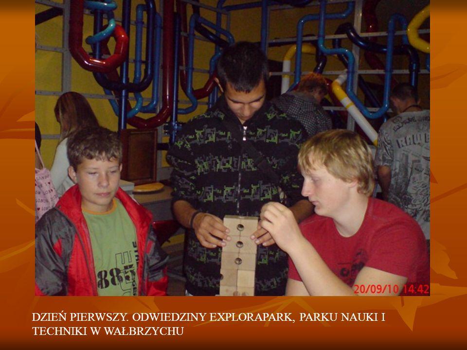 POPOŁUDNIOWA WYCIECZKA DO ZAMKU KSIĄŻ 21.09.2010