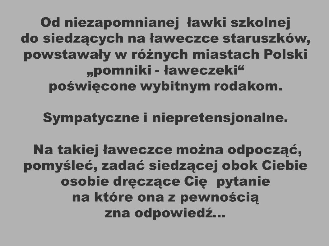 Fortepian i ławeczka pianisty Artura Rubinsteina na ul Piotrkowskiej w Łodzi