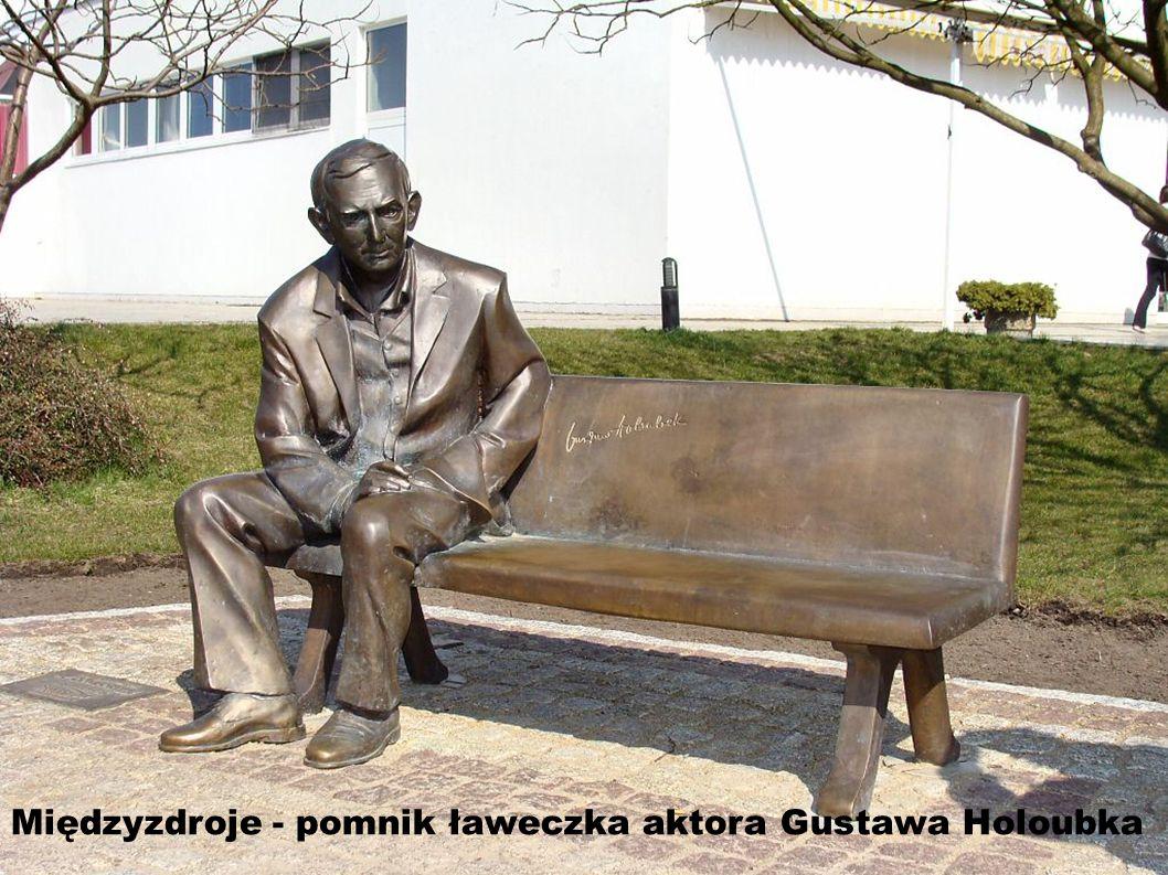 Międzyzdroje - pomnik ławeczka aktora Gustawa Holoubka