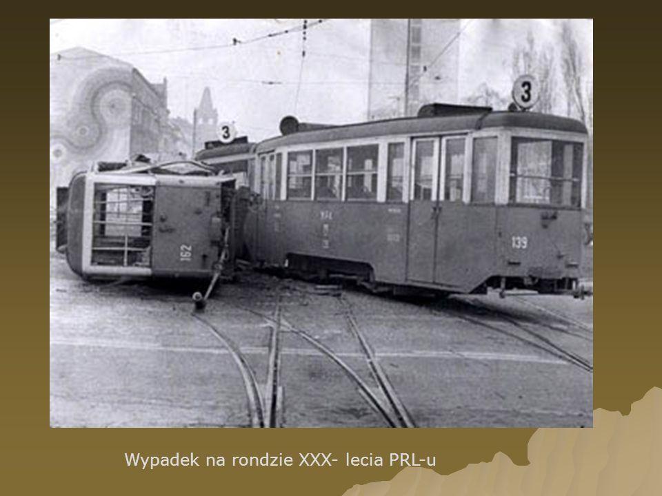 Wypadek na rondzie XXX- lecia PRL-u