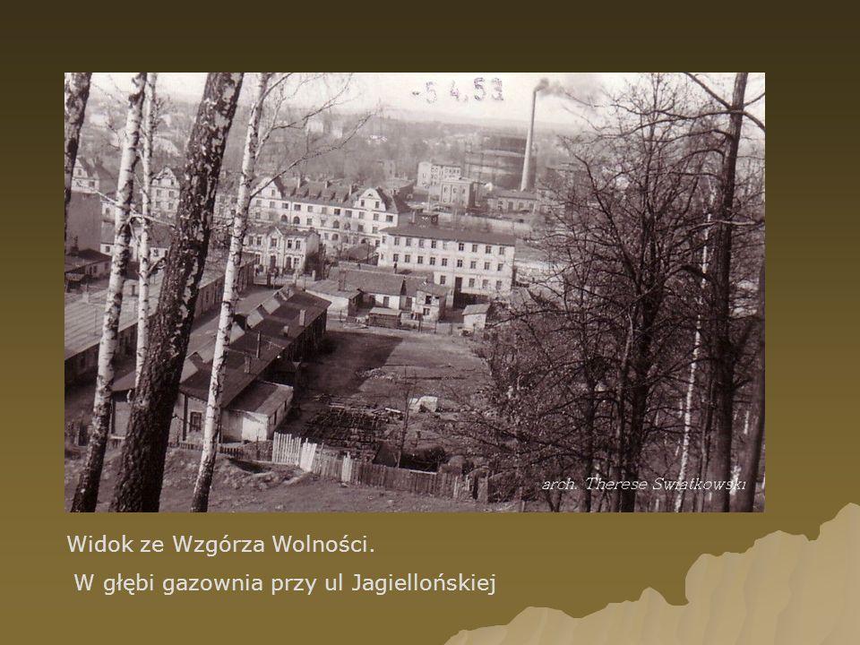 Widok ze Wzgórza Wolności. W głębi gazownia przy ul Jagiellońskiej