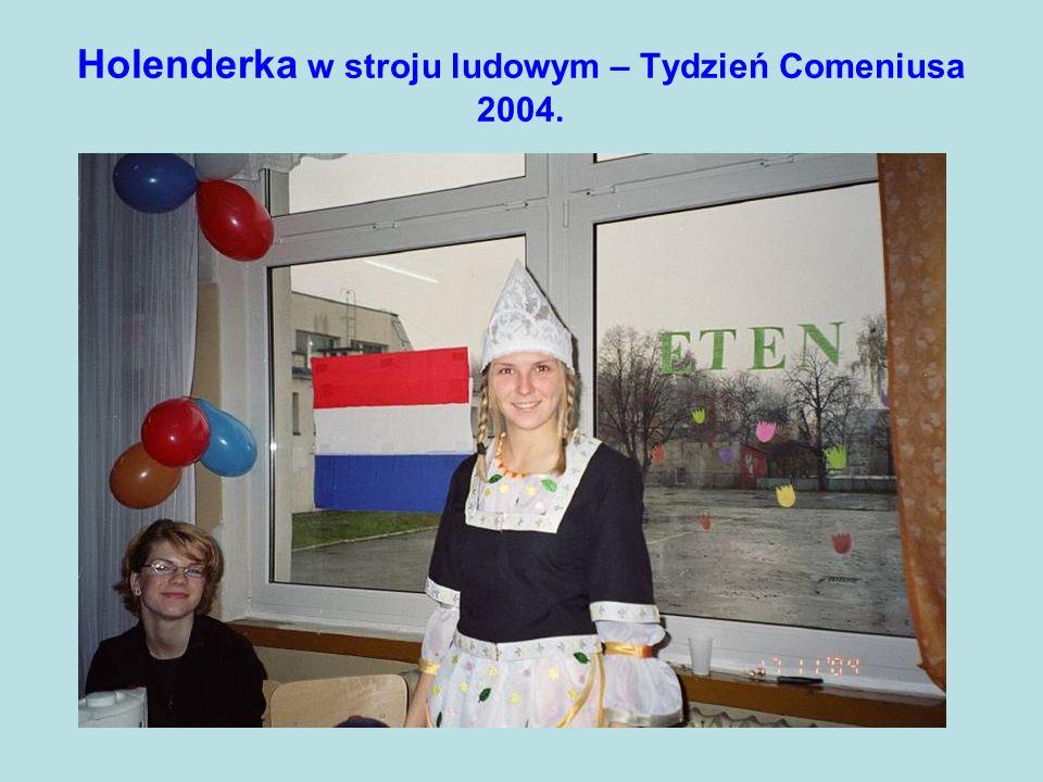 Holenderka w stroju ludowym – Tydzień Comeniusa 2004.