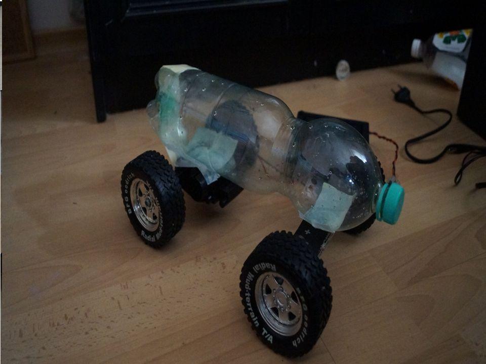 Koła i silnik – zostały wykorzystane z samochodu zabawkowego Rama modelu – Wykonana z butelki po wodzie mineralnej Zamiast paliwa - używamy czystą ene