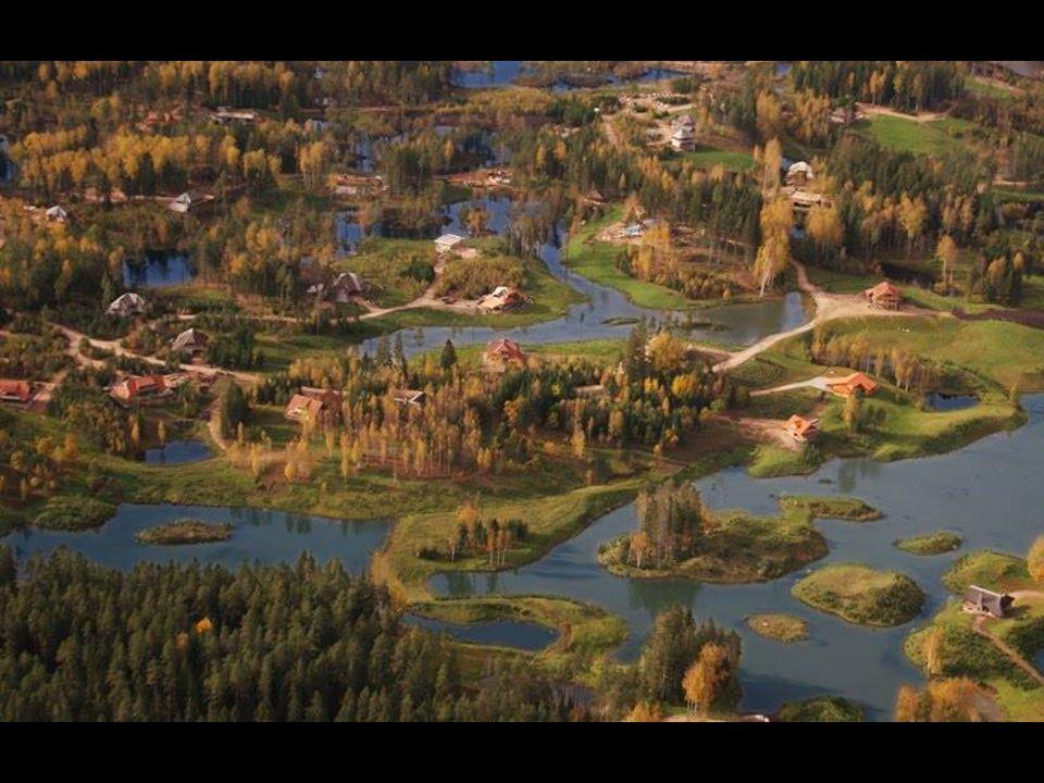 Amatciems znajduje się 80 km od Rygi, stolicy Łotwy i 12 km od Cesis, które ma około 20,000 mieszkańców, jeśli chcesz kupić dom w zacisznym miejscu na