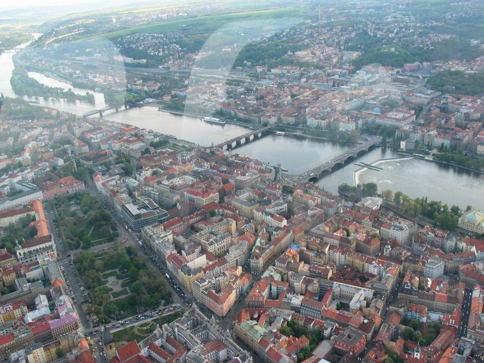 Praga (czes. Praha, wym. IPA: [ ˈ pra ɦ a]) - stolica i największe miasto Czech. Nazwa została wyprowadzona od słowa czeskiego