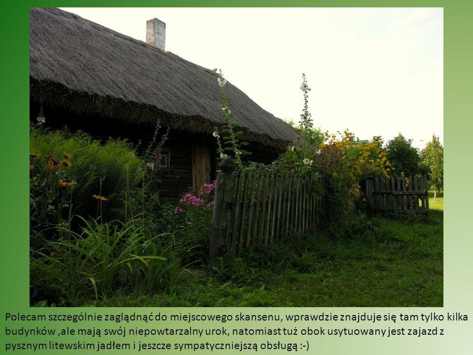 Powolutku wjeżdżam na Sejneńszczyznę, pojawia się coraz więcej przydrożnych krzyży, klimatyczne miasteczka, ta kapliczka to Puńsk, stolica polskich Litwinów, tutaj ciężko usłyszeć polską mowę :-)