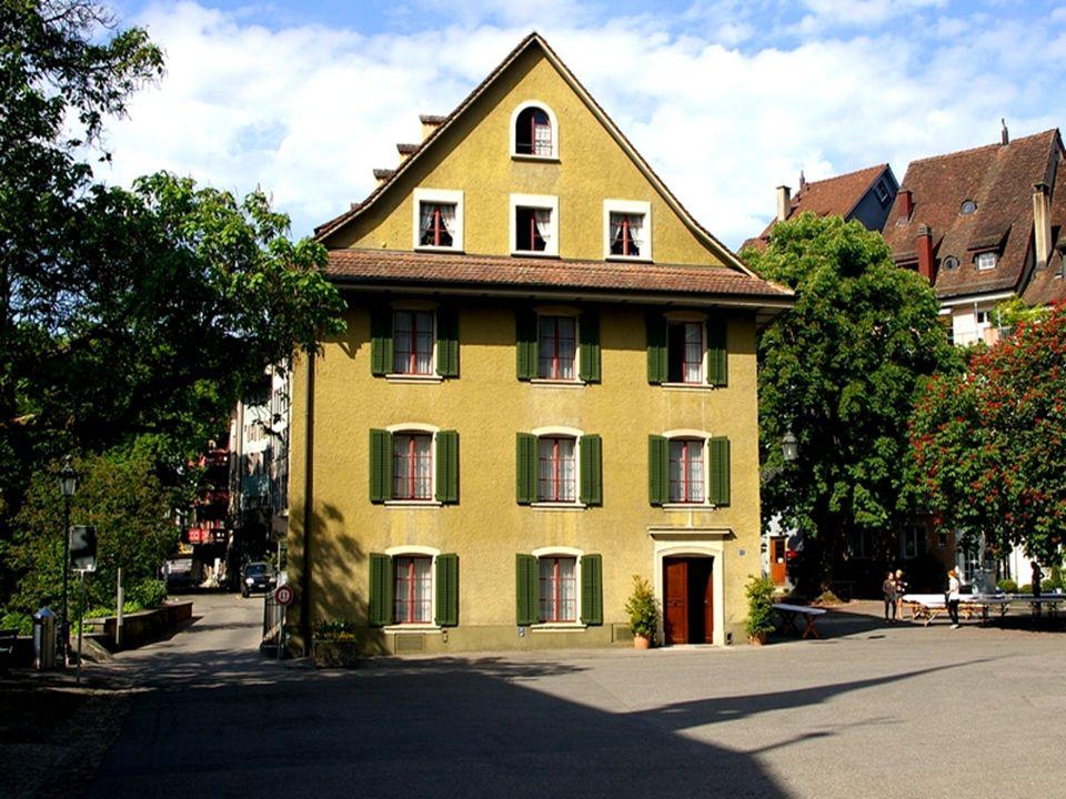 W niewielkim Baden wypływa na powierzchnię najbardziej bogata w minerały woda termalna w Szwajcarii. Oferta kulturalna czy budynki z czasów przemysłow