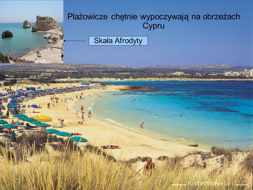 Plażowicze chętnie wypoczywają na obrzeżach Cypru Skała Afrodyty