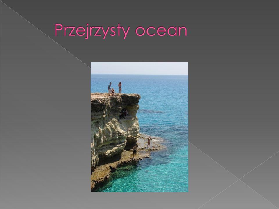 Państwo Cypr znajduje się na wyspie Cypr Wyspa ta znajduje się w Azji jest to teren Bliskiego Wschodu Leży przy morzu śródziemnym, na południe od Turcji