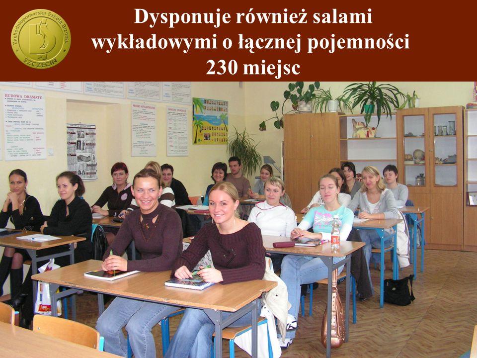 Dysponuje również salami wykładowymi o łącznej pojemności 230 miejsc