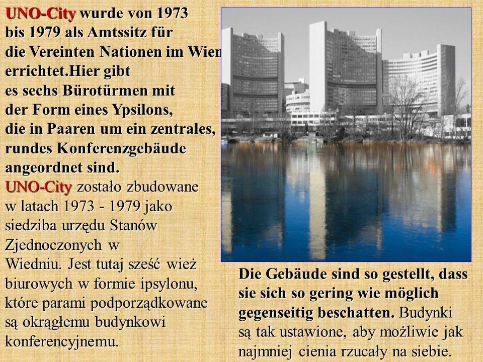 UNO-City wurde von 1973 bis 1979 als Amtssitz für die Vereinten Nationen im Wien errichtet.Hier gibt es sechs Bürotürmen mit der Form eines Ypsilons, die in Paaren um ein zentrales, rundes Konferenzgebäude angeordnet sind.