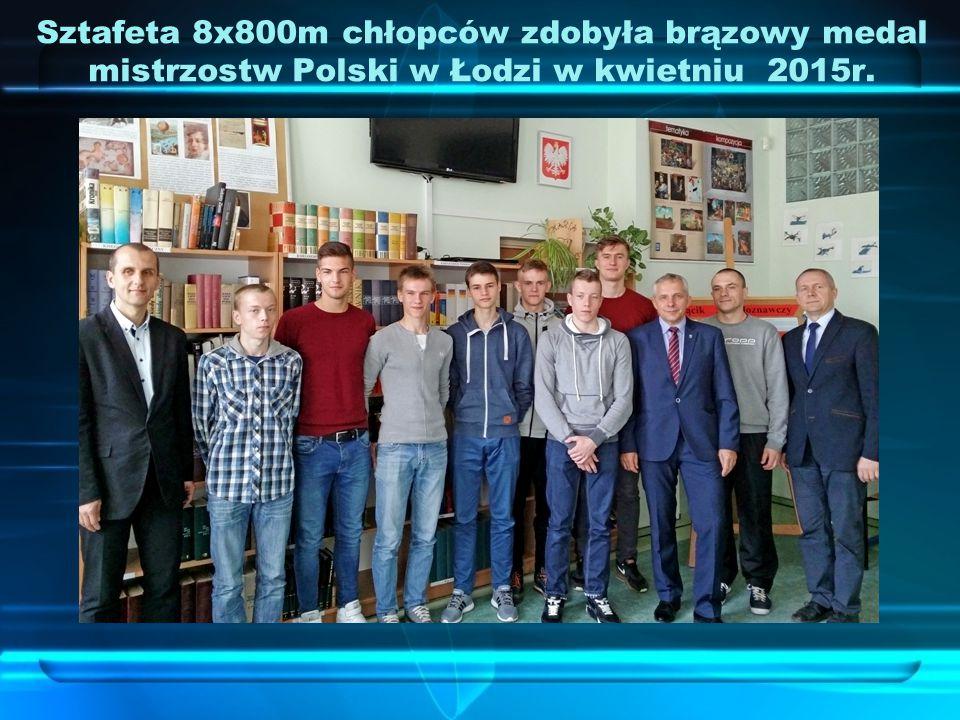 Sztafeta 8x800m chłopców zdobyła brązowy medal mistrzostw Polski w Łodzi w kwietniu 2015r.