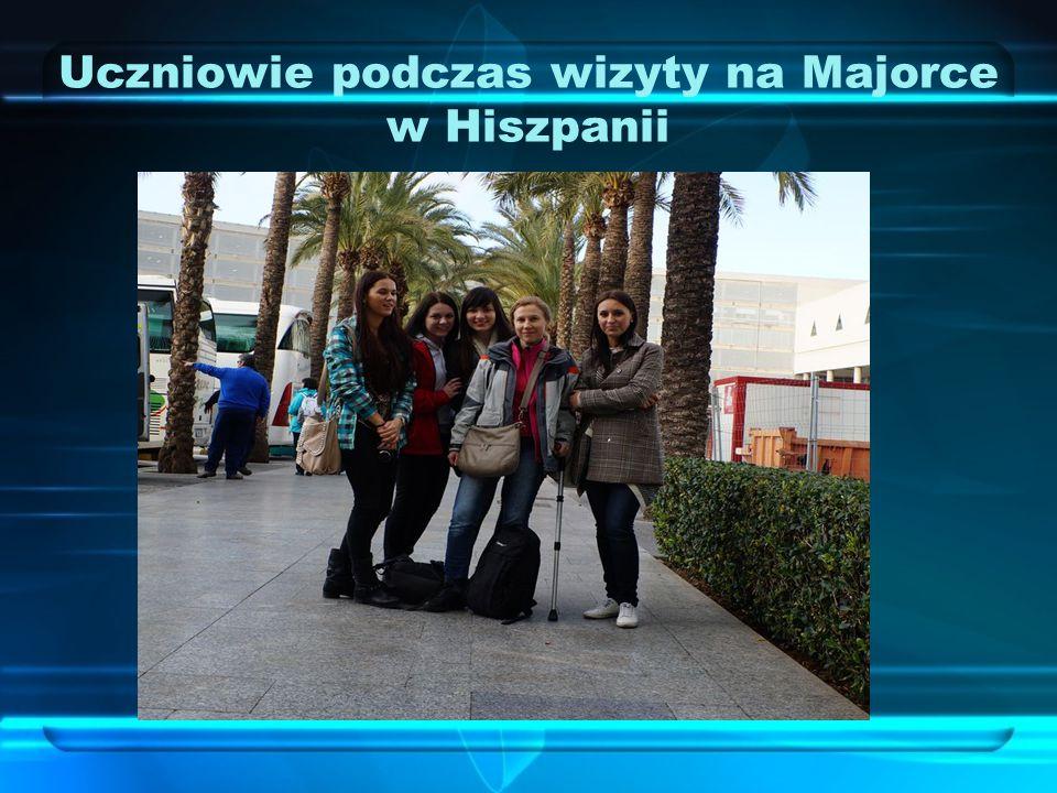 Uczniowie podczas wizyty na Majorce w Hiszpanii