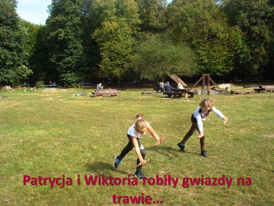 Patrycja i Wiktoria robiły gwiazdy na trawie…