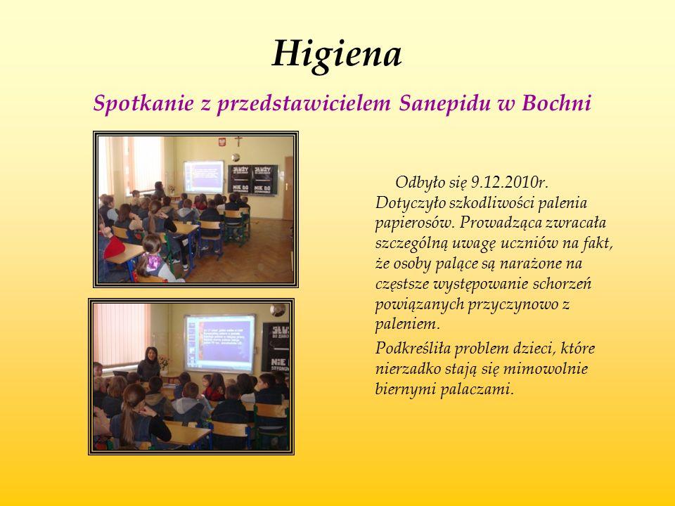 Higiena Spotkanie z przedstawicielem Sanepidu w Bochni Odbyło się 9.12.2010r. Dotyczyło szkodliwości palenia papierosów. Prowadząca zwracała szczególn