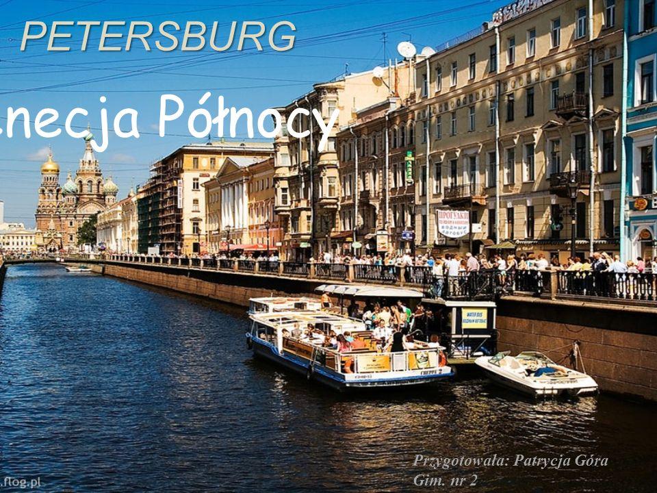 Ważny dla miasta jest także Miedziany jeździec czyli pomnik Piotra I na koniu.