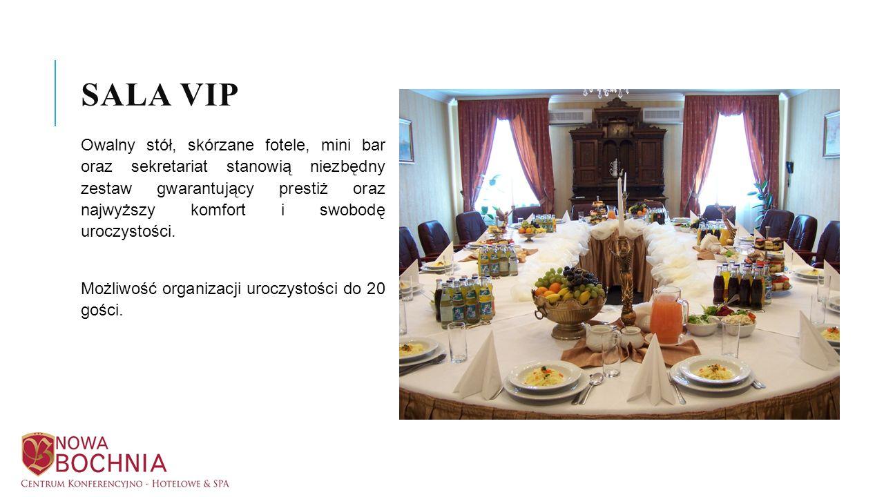 Owalny stół, skórzane fotele, mini bar oraz sekretariat stanowią niezbędny zestaw gwarantujący prestiż oraz najwyższy komfort i swobodę uroczystości.
